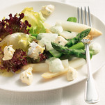 Asparagus salad with CAMBOZOLA and potato vinaigrette